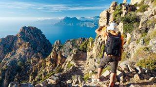 Die Calanche in Korsika erstreckt sich entlang der Küste der Insel