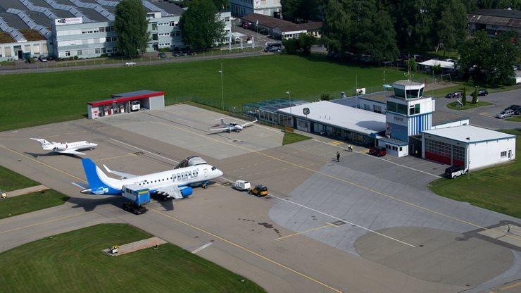 Der kleine Regionalflughafen Altenrhein in St. Gallen