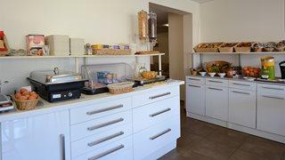 Stärken Sie sich morgens am reichhaltigen Frühstücksbuffet im Hotel A Madonetta.