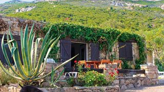 Die Außenansicht des Ferienhauses Piazzili in Korsika