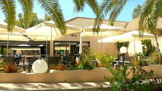 Das italienische Restaurant befindet sich im Gelände der Ferienanlage