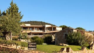 Das kleine Hotels Les Bergeries de Palombaggia gehört zu den bekannten Relais & Chateaux Hotels.