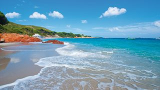 Der Strand von Palombaggia ist in unmittelbarer Nähe zum Hotel Les Bergeries de Palombaggia.