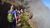 Eine Wandergruppe auf Erkundungstour auf Madeira