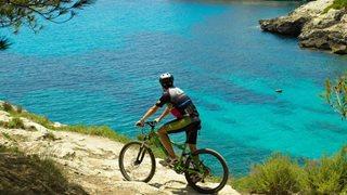 Beim hoteleigenen Aktivclub können Sie an den Mountainbike-Touren teilnehmen.