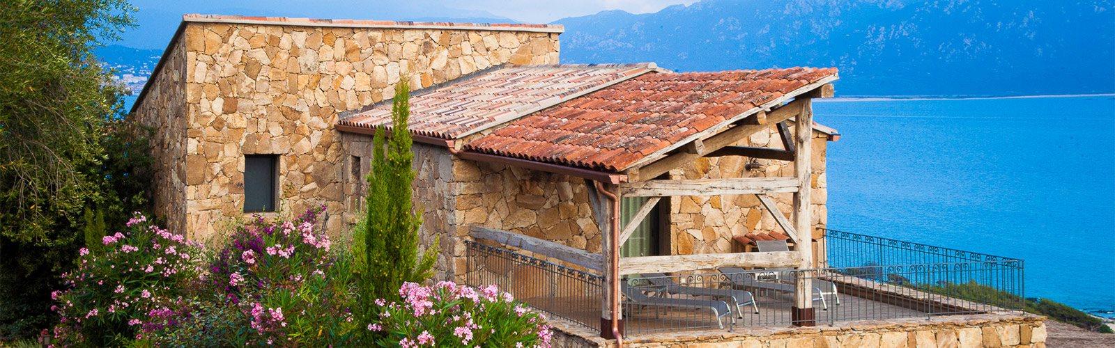 Korsische Villa aus Stein mit Meerblick